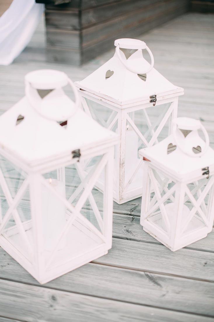Blue-white-rustic-wedding-3