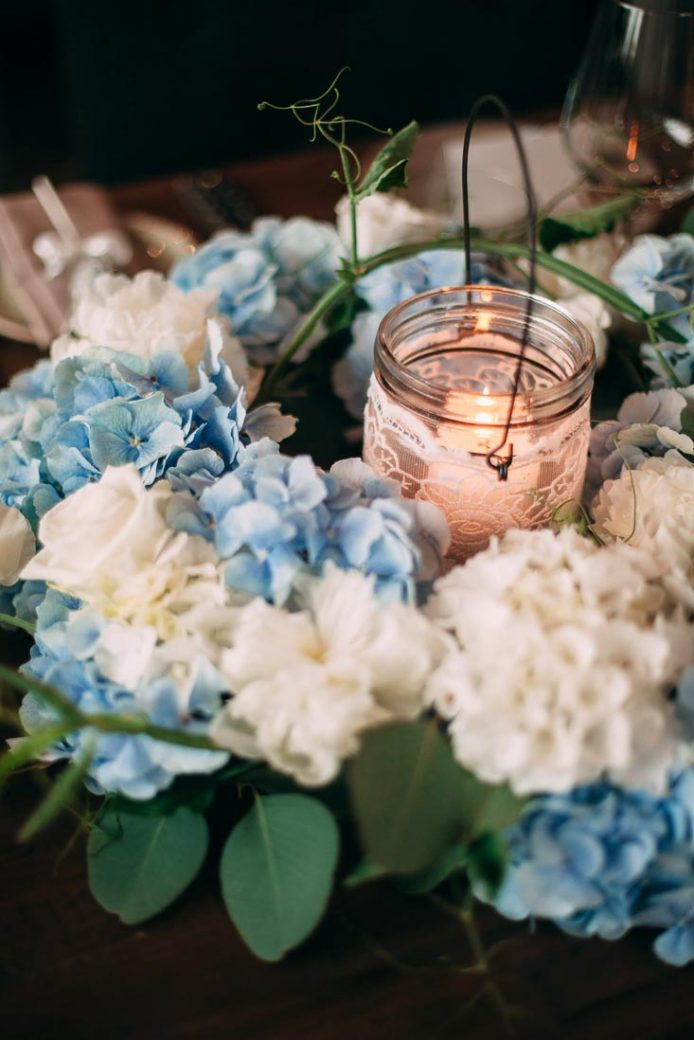 Blue-white-rustic-wedding-5