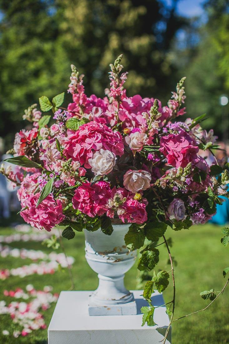 a-a-hot-pink-wedding-12
