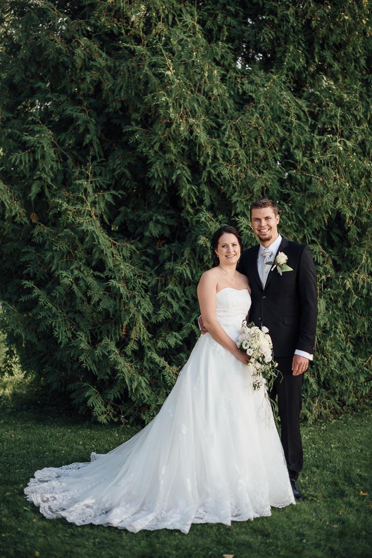 happy-green-wedding-in-castle-11