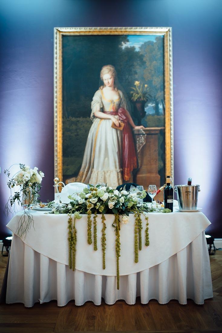 happy-green-wedding-in-castle-20