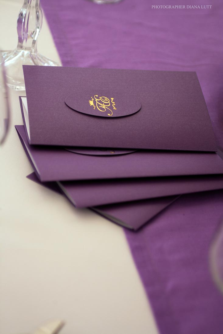violet-gold-wedding-10